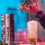 KOOLTHO Kit Cocktail Shaker Boston, Inox et Verre, Doseur Alcool et Accessoires Cocktail | Set Cocktail Professionnel dans un Coffret Cadeau Premium | Jouez-la Pro! de la marque KOOLTHO image 4 produit
